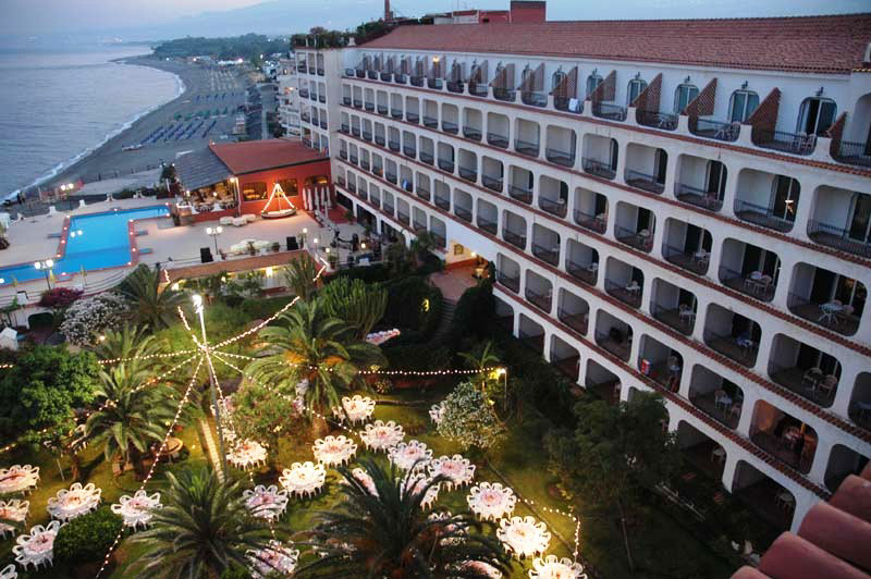 Hotel hilton giardini giardini naxos taormina it lie 2018 specialista na it lii ck cicala - Hotel la riva giardini naxos ...